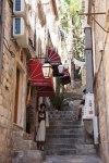 Climb a Narrow Street